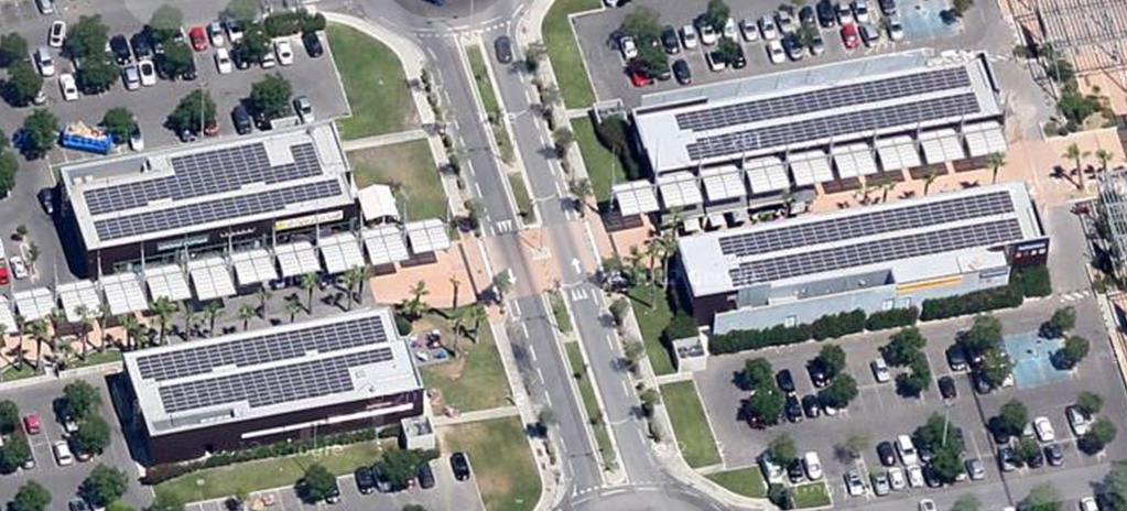 Solar Terrasse 04 rooftop installation for a shopping mall four buildings