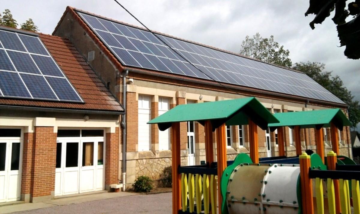09. 4 installations en réfection complète de toiture avec isolation des combles sur des bâtiments communaux classés ERP (écoles, musée)
