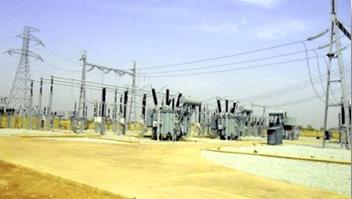 04. 8 centrales au sol, connectées au réseau et hybride (PV-groupe électrogène) sur mini-réseau